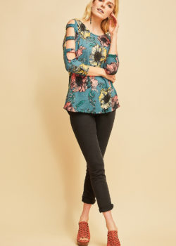 BLUE FLORAL TOP WITH CUTOUT SLEEVES
